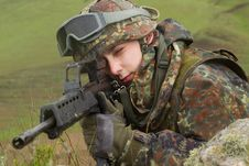 Free Soldier Targeting With Automatic Rifle Stock Images - 19472334