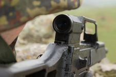 Free Scope Of A Automatic Rifle Royalty Free Stock Images - 19472429