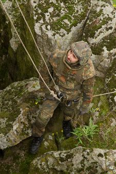 Free Soldier On The Rope Royalty Free Stock Images - 19472939