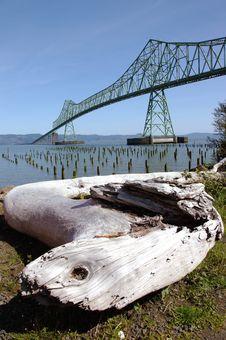 Free The Astoria Bridge & A Log. Royalty Free Stock Photo - 19473025