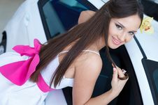 Free Young Pretty Woman With A  Car Royalty Free Stock Photo - 19475365