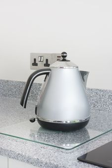 Free Modern Stainless Steel Kettle Stock Photography - 19476062
