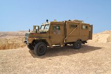Free Israeli Army Humvee On Patrol In The Judean Desert Stock Images - 19484204