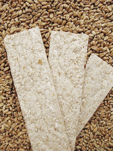 Free Вread Crisps And Grains Of Wheat Royalty Free Stock Photos - 19487848