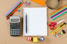 Free Various School Accessories On сorkboard Stock Photography - 19490092