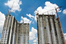 Free Raw State Residential Highrise And Jib Crane Royalty Free Stock Image - 19492386