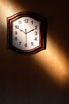 Free Clock And Beam Of Light Royalty Free Stock Photography - 19498047