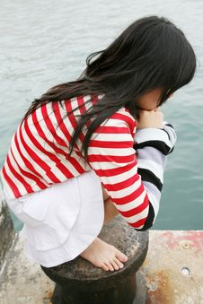 Free Asian Girl Wearing Colorful Stripes Stock Images - 1954384