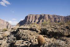 Free Desert Mountains Royalty Free Stock Photo - 1959985