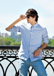 Free Handsome Young Man Wearing Casual Royalty Free Stock Image - 19500716