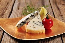 Free Blue Cheese Royalty Free Stock Photos - 19501228