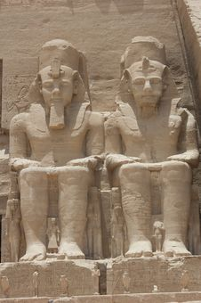Free Statue Of Ramses II At Abu Simbel Royalty Free Stock Images - 19501739