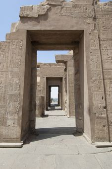 Free Hieroglyphic Carvings On An Egyptian Temple Wall Stock Photography - 19502822