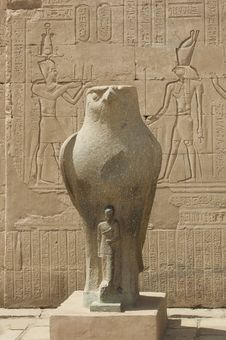 Statue Of The Falcon God At The Temple Of Edfu Royalty Free Stock Image