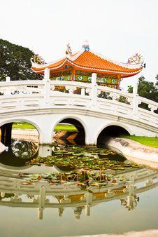Free Chinese Bridge Royalty Free Stock Photography - 19507107