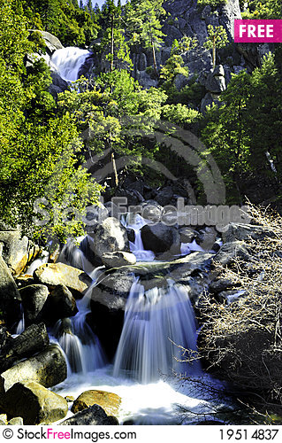 Free Waterfall Royalty Free Stock Photography - 19514837
