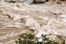 Lijiang: Torrent Of Golden Sand River Royalty Free Stock Photography