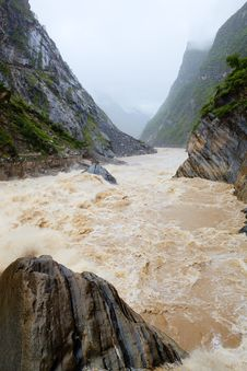 Lijiang: Tiger Leaping Gorge Stock Photos
