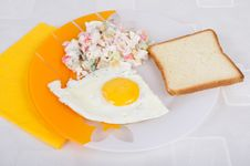 Free EGG, SALAT  AND TOAST Royalty Free Stock Photos - 19515078