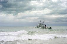 Free Wrecked Ship Royalty Free Stock Photos - 19517188