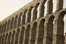 Free Aqueduct Stock Image - 19518181