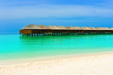 Free Water Bungalows On A Tropical Island Royalty Free Stock Photo - 19522165