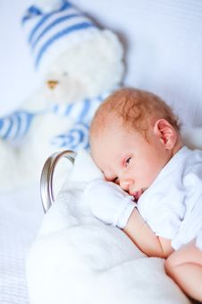 Free Adorable Newborn Baby Royalty Free Stock Photo - 19524205