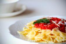 Free Pasta Farfalle With Tomato Sauce Royalty Free Stock Photos - 19525718