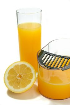 Free Juicer With Lemons And Oranges Stock Images - 19526564