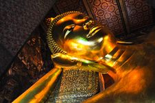 Free Golden Reclining Buddha Wat Pho Royalty Free Stock Photo - 19528575