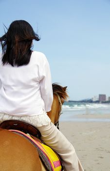 Free Young Woman Riding A Horse Royalty Free Stock Photo - 19536445