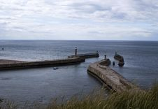 Free Whitby Piers Royalty Free Stock Image - 19536586