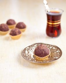Free Chocolate Biscuit Balls Royalty Free Stock Photography - 19539287