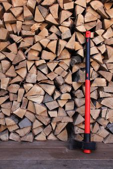 Free Axe With Firewood Background Stock Photography - 19541242