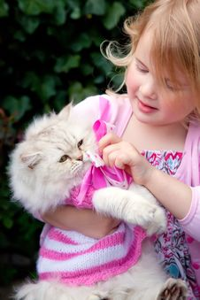 Free Cat And Girl Royalty Free Stock Photos - 19541378