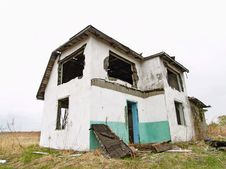 Free Abandoned House Royalty Free Stock Photos - 19546958