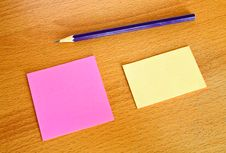 Free Yellow And Pink Memo With Pencil On Table Stock Photography - 19550832