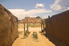 Free Taos Pueblo Royalty Free Stock Photography - 19552797