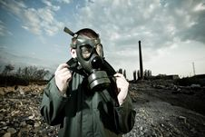 Free Bizarre Portrait Of Man In Gas Mask Stock Photo - 19553950