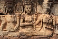 Free Relief Angkor Royalty Free Stock Image - 19554676