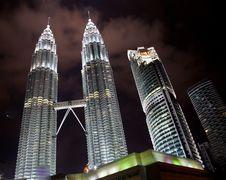 Free Petronas Towers At Night Stock Images - 19556314
