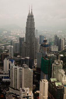 Free Petronas Twin Towers Birds Eye View Royalty Free Stock Image - 19556336