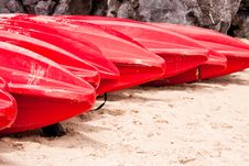 Free Red Kayaks Royalty Free Stock Images - 19558669