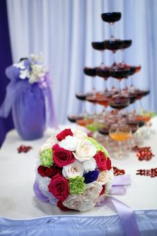 Free Champagne At The Wedding Stock Photos - 19572513