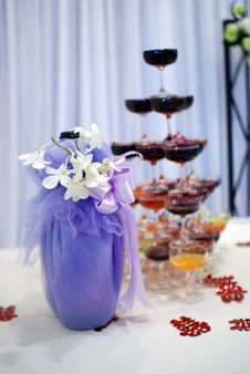 Free Champagne At The Wedding Stock Photos - 19572533