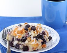 Free Blueberry Bread Pudding Royalty Free Stock Photo - 19574455