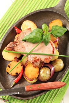 Free Roasted Pork Chop And Potatoes Royalty Free Stock Photography - 19577257