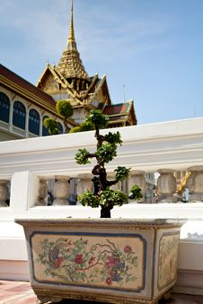 Free Grand Palace Royalty Free Stock Photo - 19577435