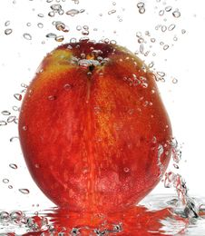 Free Bubbly Nectarine Royalty Free Stock Photos - 19577898