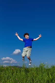 Free Boy Jumping Outdoor Royalty Free Stock Images - 19582389